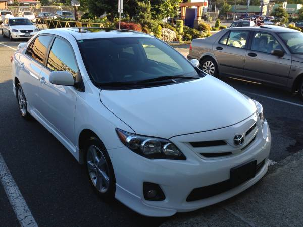 2013 toyota corolla s trd auto leather navi toyota warranty. Black Bedroom Furniture Sets. Home Design Ideas